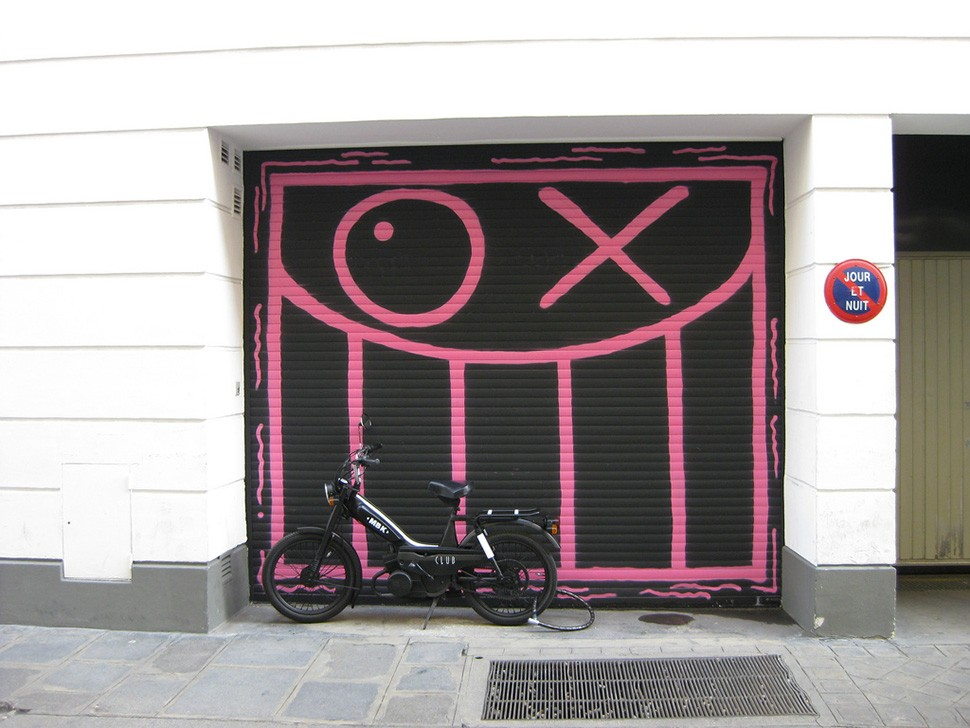 Andre-Saraiva-Mr-A-Colette-Paris-street-art-graffiti-garage-wall-painting-street-art-urbain-immeuble-2009-web