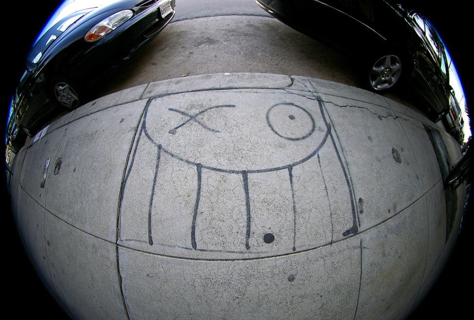 Andre-Saraiva-Mr-A-Los-Angeles-pavement-street-art-graffiti-garage-wall-painting-street-art-urbain-web