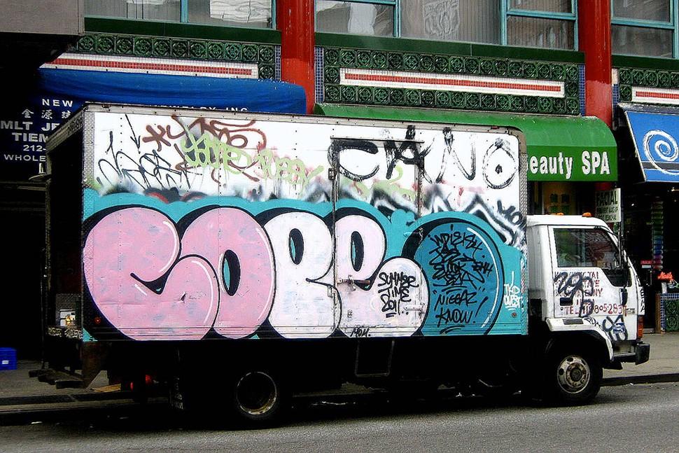 Cope2-truck-graffiti-camion-wall-painting-print-street-art-urbain-2011-web
