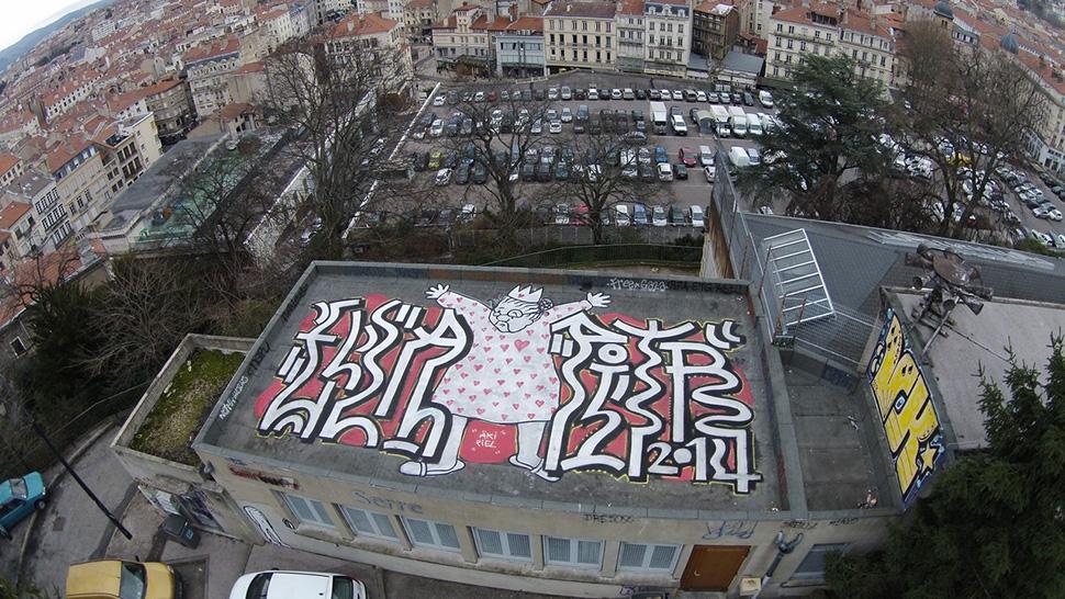 Ella-&-Pitr-St-Etienne-toit-rooftop-piece-art-ubrain-les-papiers-peintres-2014_3-web