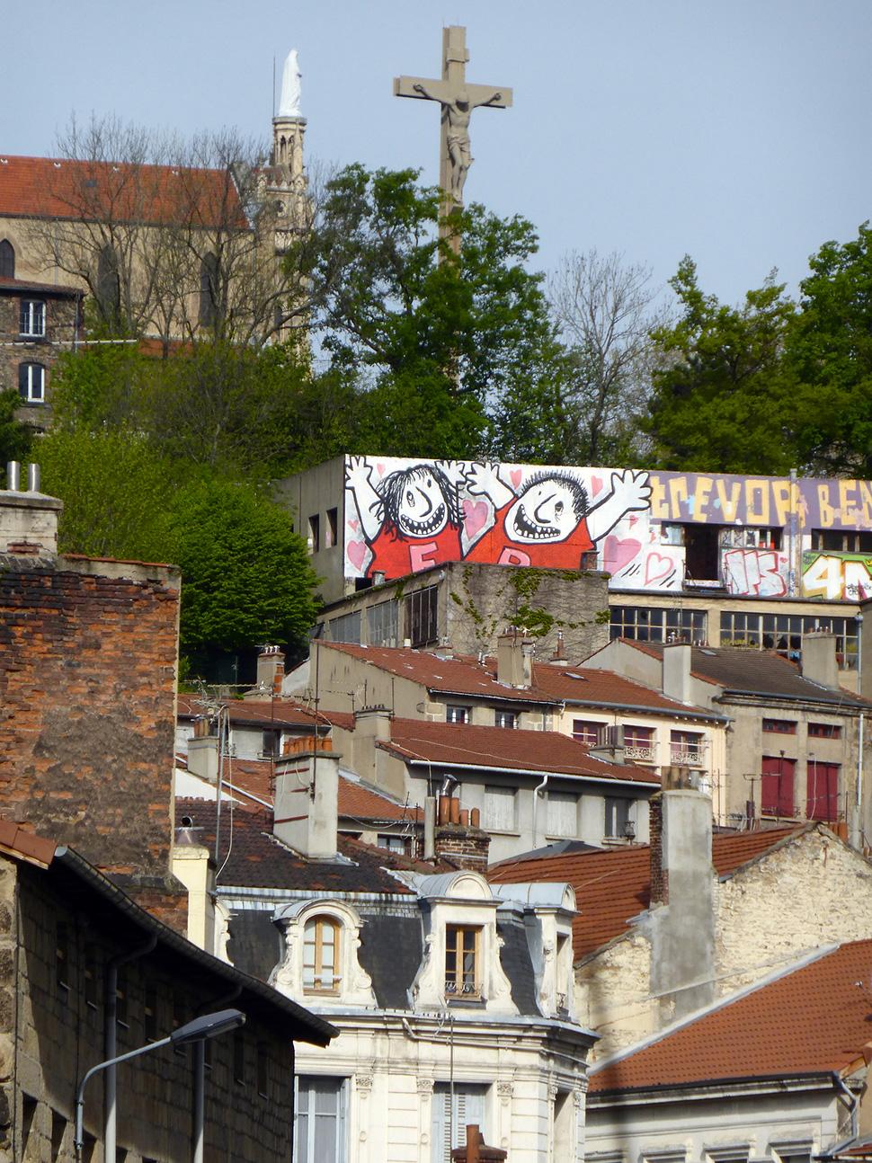 Ella-&-Pitr-St-Etienne-toit-rooftop-piece-art-ubrain-les-papiers-peintres-saint-etienne-france-2014_2-web