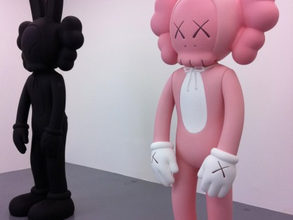 "Kaws – Exposition ""Pay the debt to nature"" en 2010"