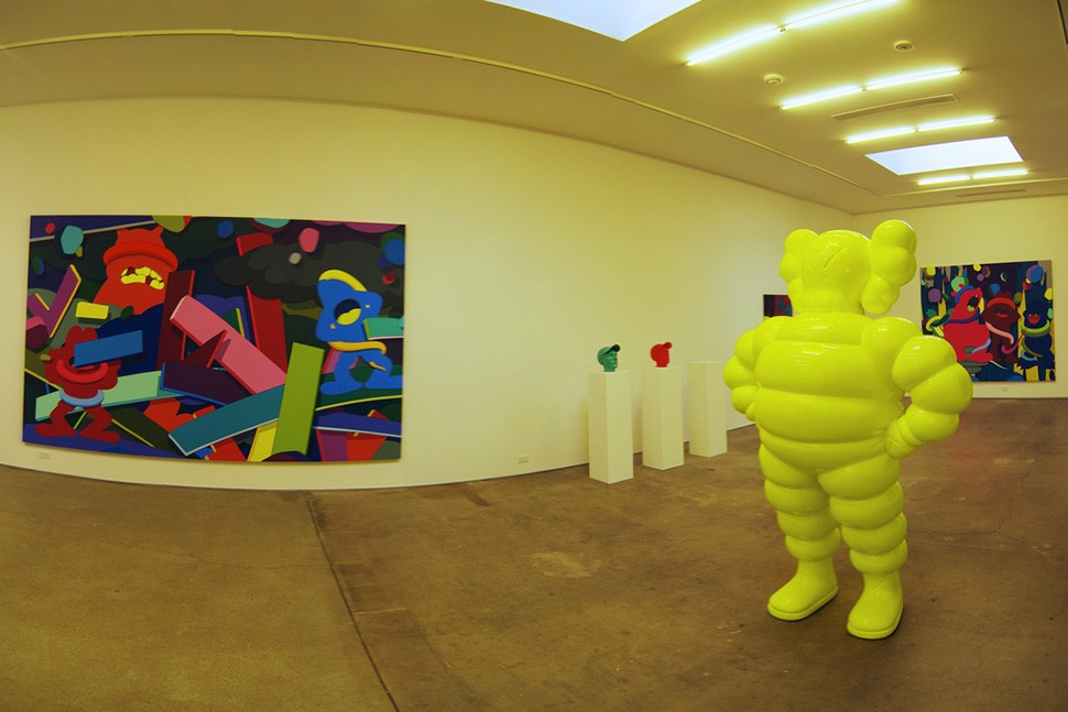 Kaws-exhibition-Honor-Fraser-Gallery---Culver-City,-CA-2009-web