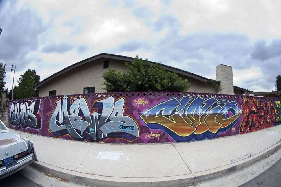 Mike-Giant-,-Clown,-Mews,-Jaber-graffiti-tattoo-illustration-street-art-urbain-wall-spray-Los-Angeles-2013-web