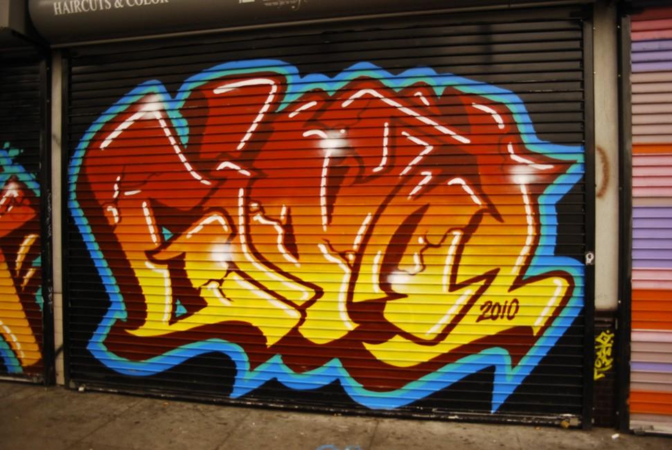 Mike-Giant-graffiti-tattoo-illustration-street-art-urbain-wall-2010-web