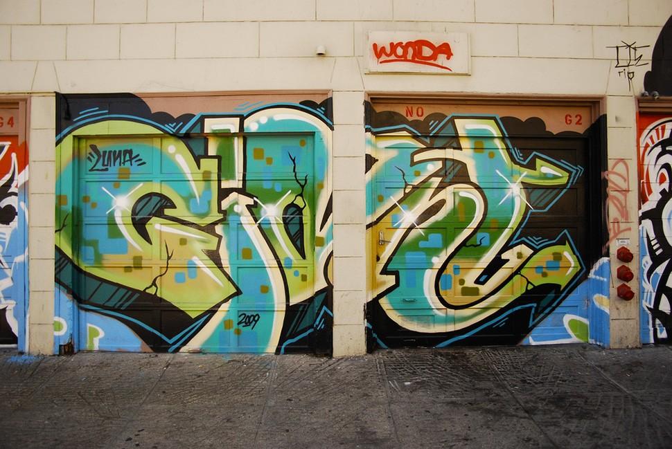 Mike-Giant-graffiti-tattoo-illustration-street-art-urbain-wall-painting-2009-web