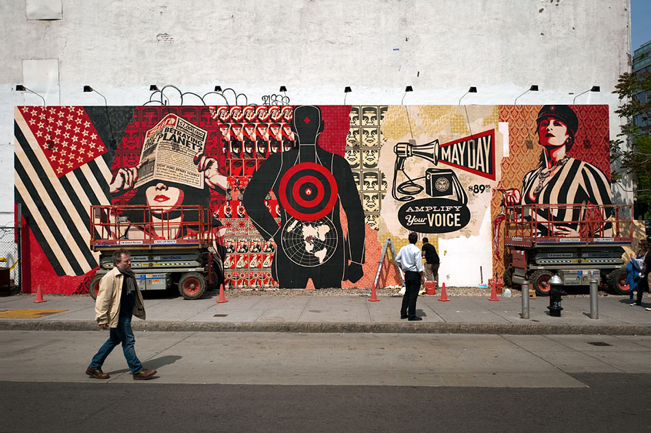 Shepard-Fairey-Obey-giant-wall-graffiti-street-art-urbain-mural-Houston-USA-2010---web