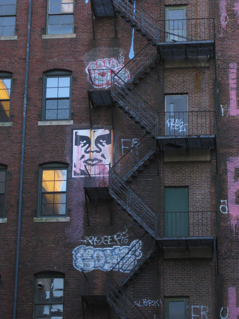Shepard-Fairey-Obey-giant-wall-graffiti-street-art-urbain-mural-boston-2010-UK---web