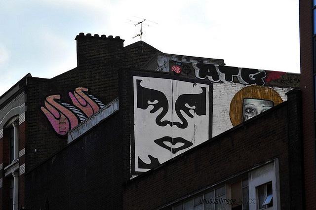 Shepard-Fairey-Obey-giant-wall-graffiti-street-art-urbain-mural-london-londres-2010-UK---web