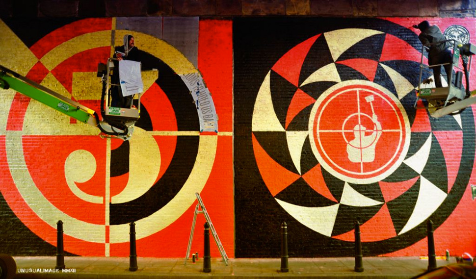 Shepard-Fairey-Obey-giant-wall-graffiti-street-art-urbain-mural-london-londres-2012-UK---web