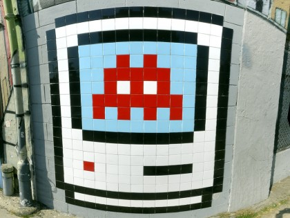 Invader – Mac Icon on Beverly 2006