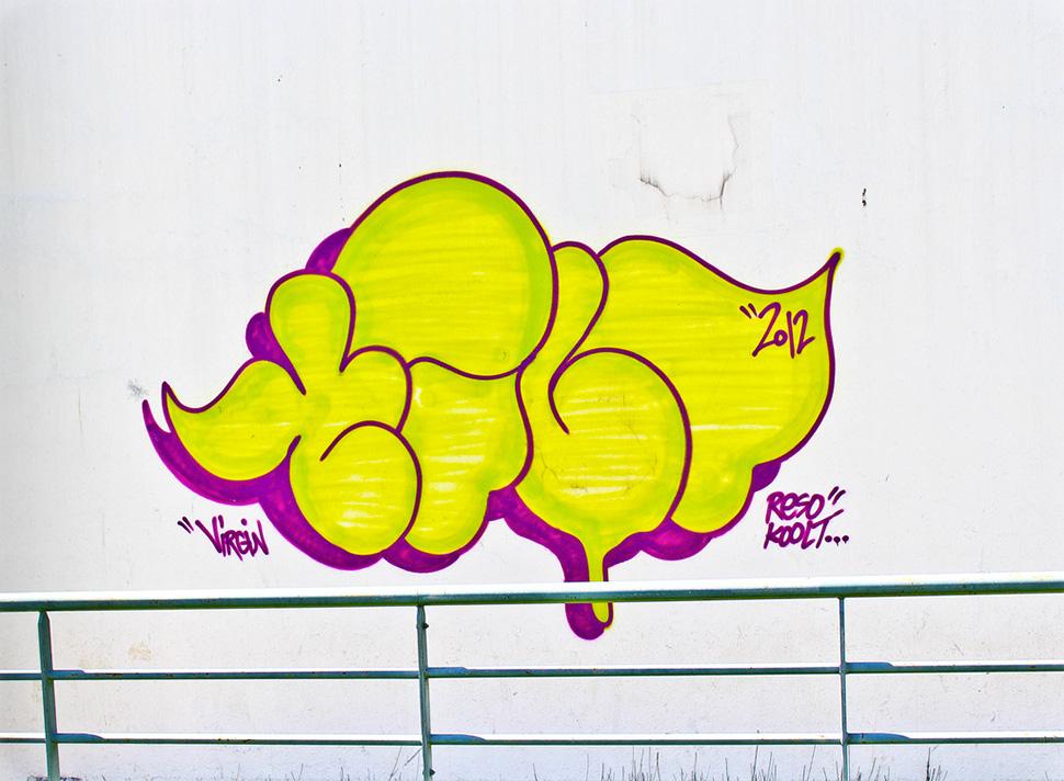 Tilt-graffiti-street-art-urbain-flop-throw-up-2012-web