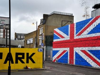 Tilt – Union Jack London