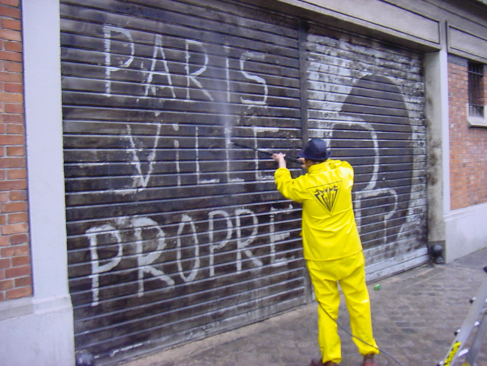 ZEVS-paris-ville-propre-karcher-inauguration-Point-Ephemere-mai-2004-web