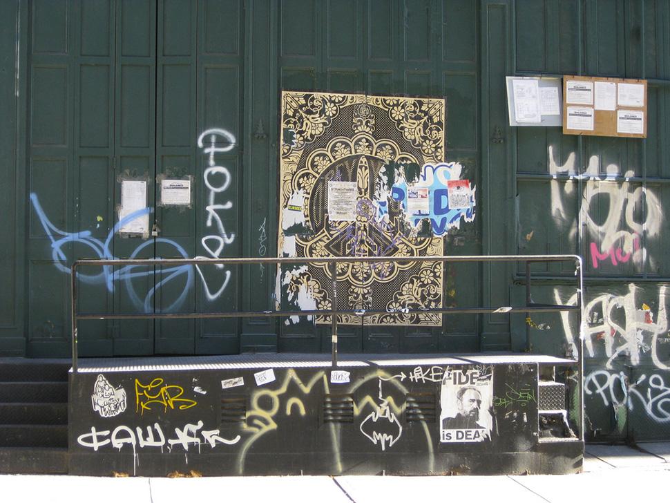 shepard-fairey-Obey-giant-wall-graffiti-street-art-urbain-mural-collage-printing-New-York-NYC-2010---web