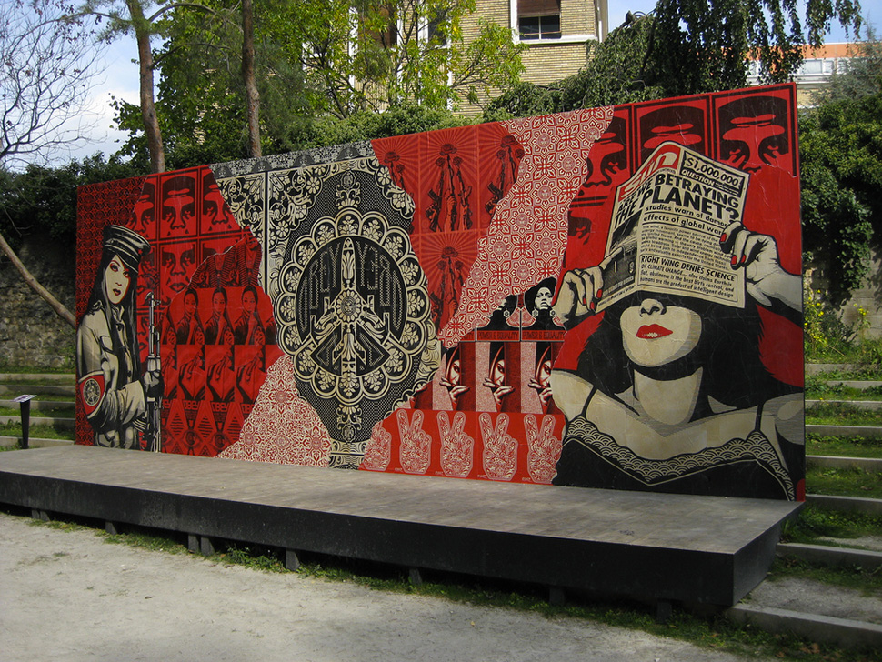 shepard-fairey-Obey-giant-wall-graffiti-street-art-urbain-mural-fondation-cartier-Paris-2009---web