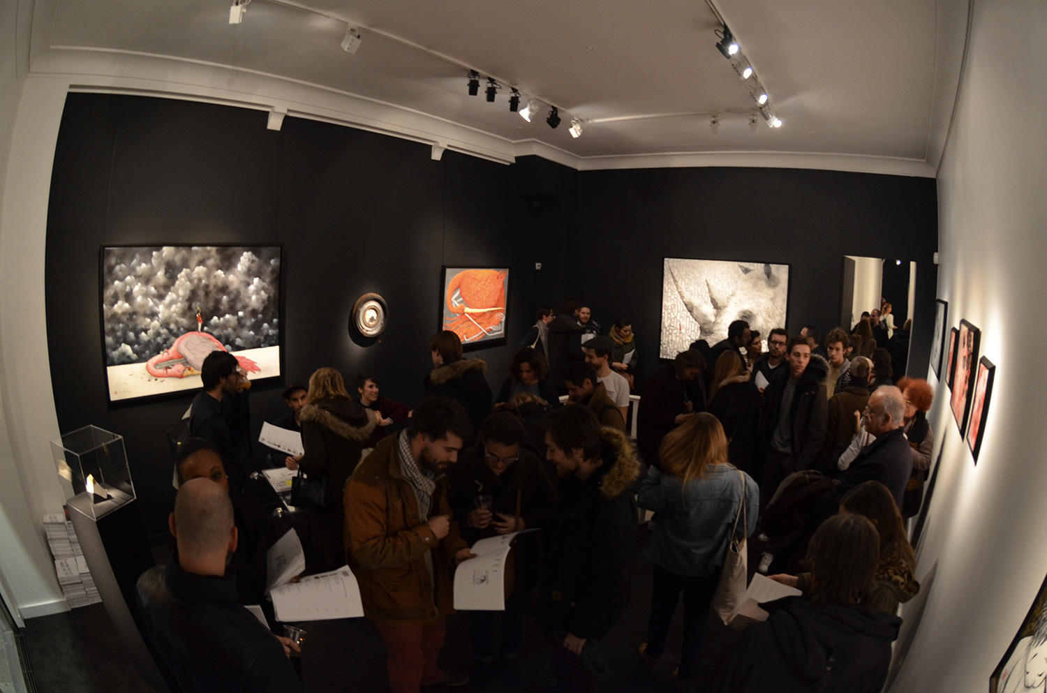 Ella_Pitr_exposition_See_You_Soon_Like_the_Moon_Galerie_LE_FEUVRE_Paris_Solo_show_toile_artwork_dessin1