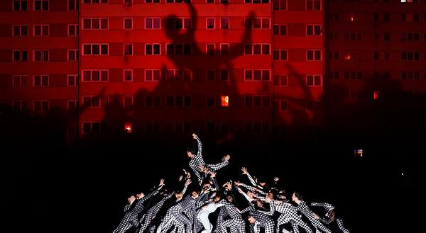 JR_Film_tribeca_festival_new_york_city_ballet_portrait_dune_generation_les_bosquets_montfermeil_clichy_art_ellis_island_lil_buck_2