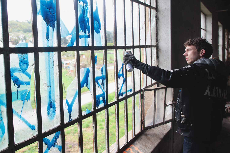 Lek-Sowat-DMV-da-mental-vaporz-urbex-usine-saint-etienne-graffiti-soldart-tag-montana-bombe-spray-Hugo-soie-saint-just-saint-rambert-royx-nicolas-royol-7