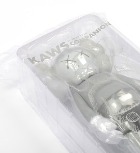 Kaws Brian Donnelly Companion Grey art toys Medicom toy plus detail 1