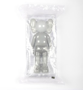 Kaws Brian Donnelly Companion Grey art toys Medicom toy plus detail 2