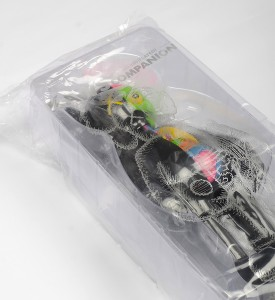 Kaws-Brian-Donnelly-companion-flayed-black-dissected-open-edition-art-toys-medicom-toys-plus-detail