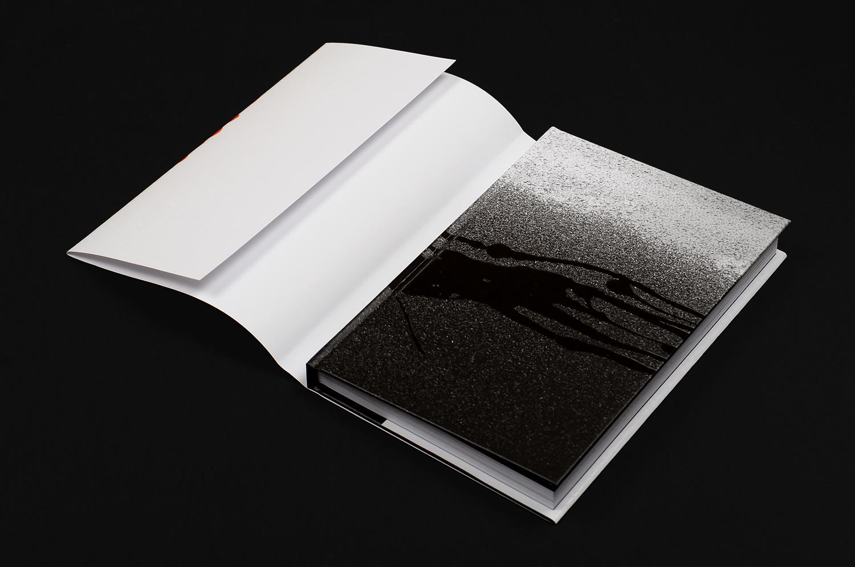 ella-pitr-baiser-d-encre-livre-book-saint-etienne-dessins-art-croquis-sketchbooks-papiers-peintres-3