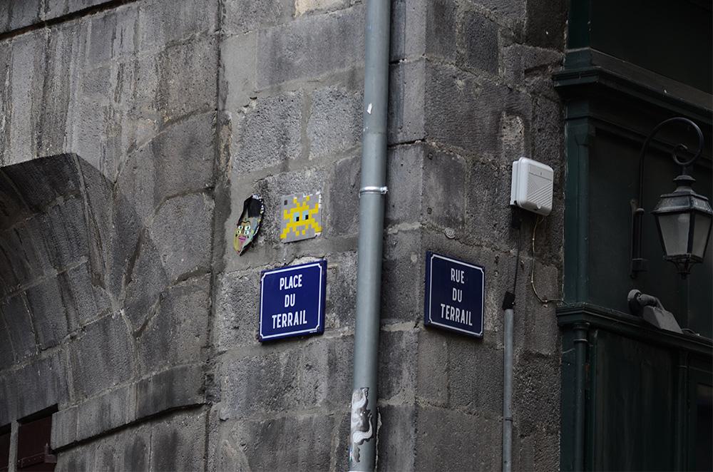 Space-Invader-Clermont-Ferrand-invasion-Festival-Court-Metrage-CLR_04-street-art-Place-du-Terrail-3