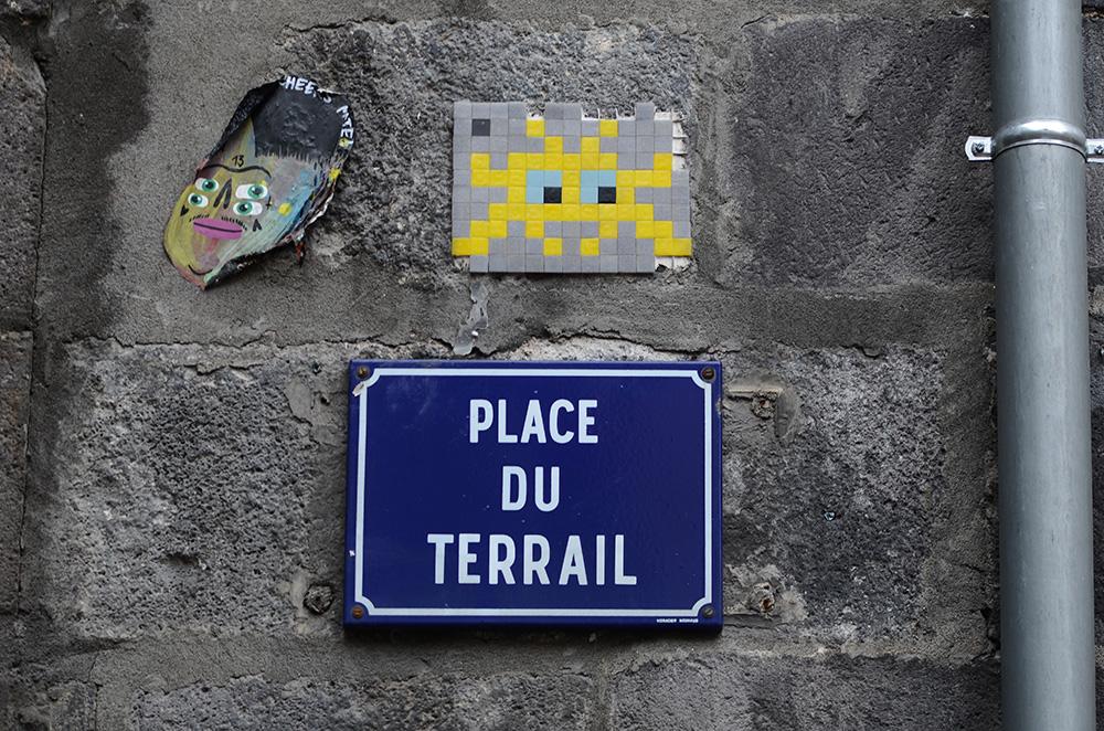 Space-Invader-Clermont-Ferrand-invasion-Festival-Court-Metrage-CLR_04-street-art-Place-du-Terrail