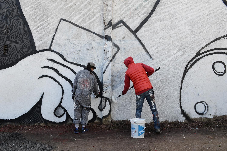Ella-Pitr-Papiers-Peintres-Saint-Etienne-Chateaucreux-Le-coup-de-pied-à-la-lune-Mur-Graffiti-Football-3