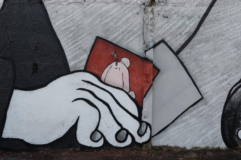 Ella-Pitr-Papiers-Peintres-Saint-Etienne-Chateaucreux-Le-coup-de-pied-à-la-lune-Mur-Graffiti-Football-9