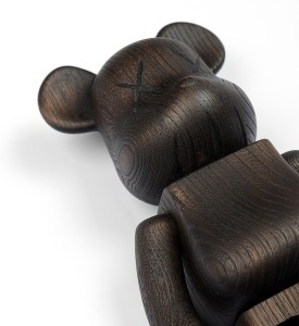 Kaws Original Fake Nexus 7 karimoku-400-wooden-bearbrick 2007 edition 400 sculpture art detail