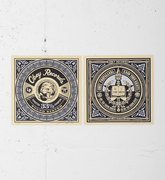 This 2 screen prints by Shepard Fairey (Obey) are an edition of 250. Made in 2014, they are signed and numbered by the artist. Format : 7,28 x 7,28 inches (18,5 x 18,5 cm). The work is sold unframed.