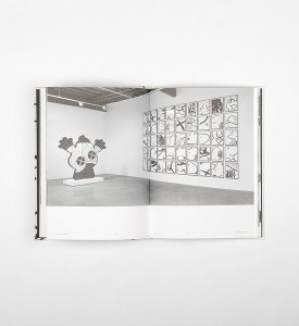 kaws-mans-best-friend-book livre-honor-fraser-gallery-los-angeles detail 2