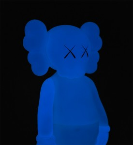 KAWS-COMPANION-FIVE-YEARS-LATER-BLUE-GLOW-IN-THE-DARK-Medicom-Toy-2004-11