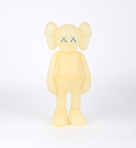 KAWS-COMPANION-FIVE-YEARS-LATER-BLUE-GLOW-IN-THE-DARK-Medicom-Toy-2004