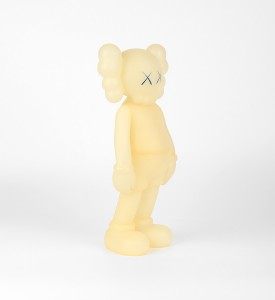 KAWS-COMPANION-FIVE-YEARS-LATER-BLUE-GLOW-IN-THE-DARK-Medicom-Toy-2004-6