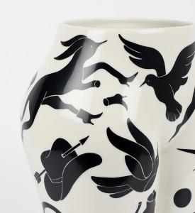 Parra-vaso-di-culo-MURAL-CASE-STUDYO-porcelain-vase-Belgium-sculpture-3