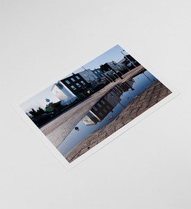 Slinkachu-Displeasure-Beach-Woolwich-London-2011-print-Andipa-Gallery-7
