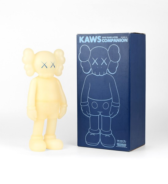 kaws-brian-donnelly-companion-five-years-later-blue-glow-in-the-dark-artwork-art-toys-2004-edition-500