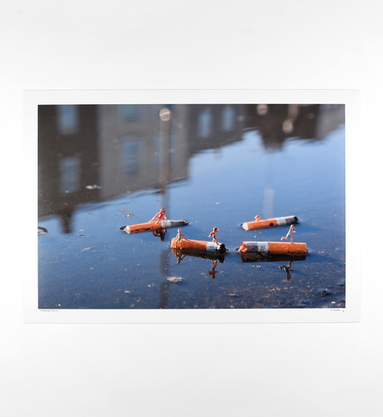 slinkachu-displeasure-beach-artwork-art-photography-print-2011-edition-15