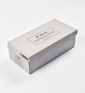 invader-franck-slama-01-point-sneakers-grey-invasion-box-2007-edition-1500-3