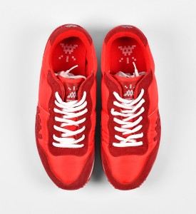 invader-franck-slama-01-point-sneakers-red-invasion-box-2007-edition-1500-5
