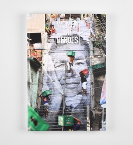 JR-Women-are-Heroes-Livre-Book-Inside-Out-Social-Animals-Marco-Berrebi-2