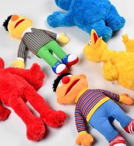 KAWS-Sesame-Street-Uniqlo-Plush-Toy-Complete-Box-Set-3