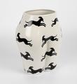 Parra-vaso-di-culo-CASE-STUDYO-porcelain-vase-chopped-female-figure-4