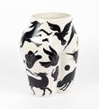 Parra-vaso-di-culo-MURAL-CASE-STUDYO-porcelain-vase-Belgium-sculpture-2